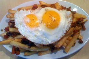 Huevos fritos al caballo
