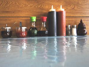 Condiments at Pho Binh Minh