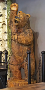 Oskar's wooden grizzly bear statue