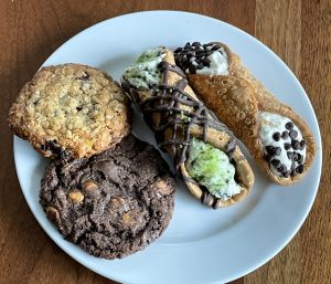 All this goodness for just $6! Legacy Pizza's sweets sampler offers two cannoli and two oversize cookies.