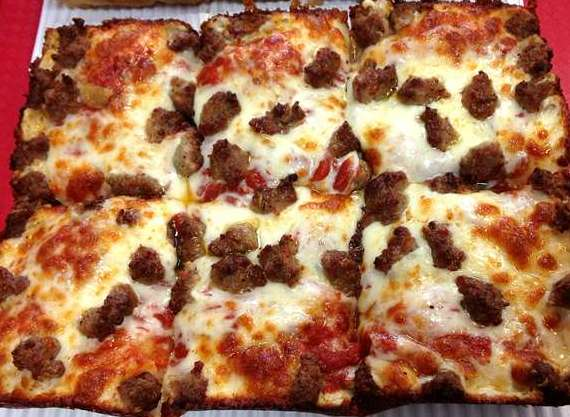 Jet's Takes Off With Detroit-Style Pizza